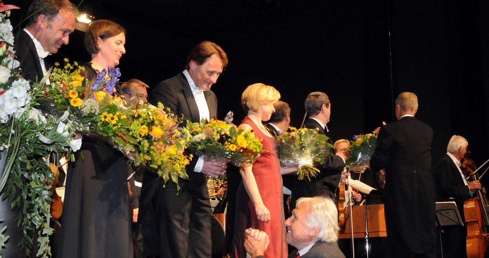 Konzertchor Dachau mit Manfred Bittner, Bass, Bernhard Hirtreiter, Tenor, Bettina Kühne Sopran,